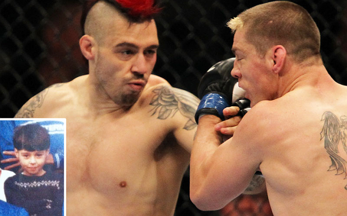 O cabelo de &ldquo;The Outlaw&rdquo; Dan Hardy transformou sua franjinha cl&aacute;ssica em um moicano selvagem, e suas habilidades evolu&iacute;ram demais desde que entrou no UFC. Veja o ex-desafiante meio-m&eacute;dio em Nottingham no UFC de 29/09.